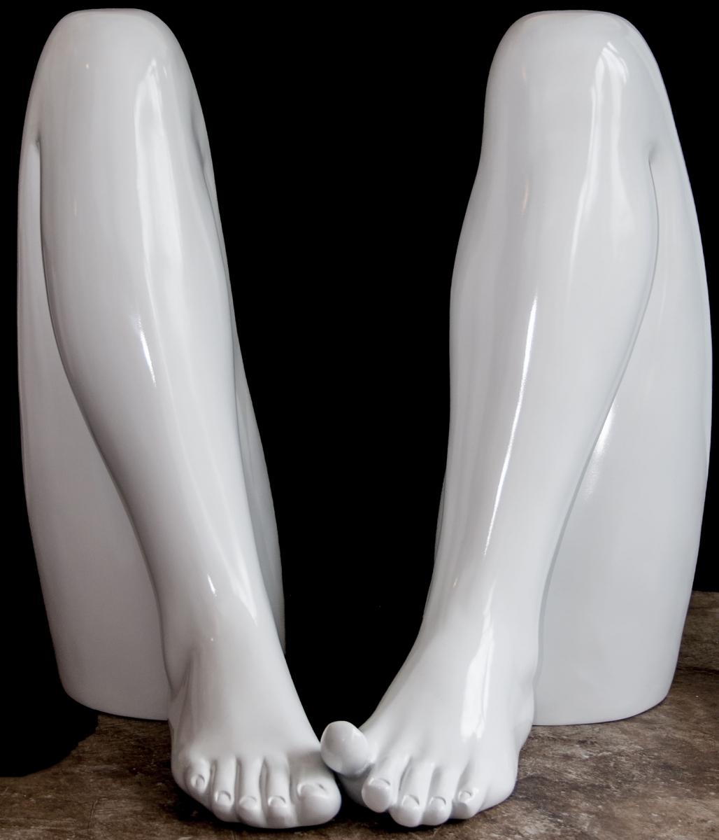pernas-vergonha-shy-legs-sculpture-escultura